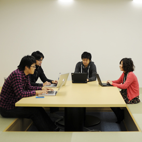 http://www.hatena.ne.jp/images/recruit2012/window-kotatu.jpg